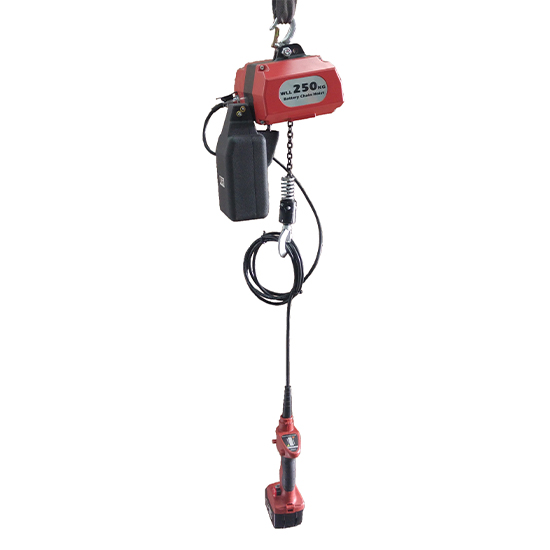 Low voltage hoist with battery for use onsite