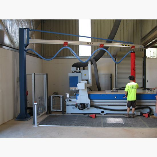 Vaculex vacuum tube lifter on aluminium jib crane