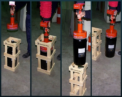 Custom vacuum lifting foot for 25kg bottles of wine