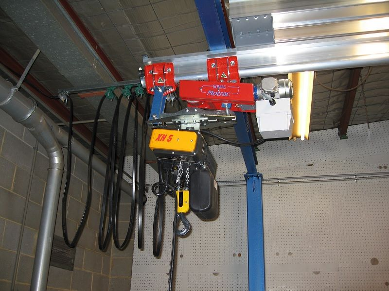 Motorised trolley on aluminium monorail crane