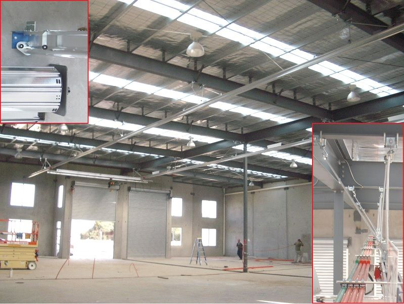 Gantry aluminium crane installed in roof to keep floor clear